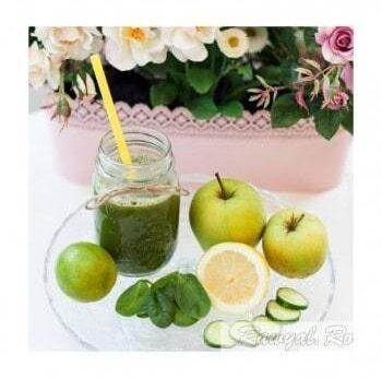 green smoothie raw vegan
