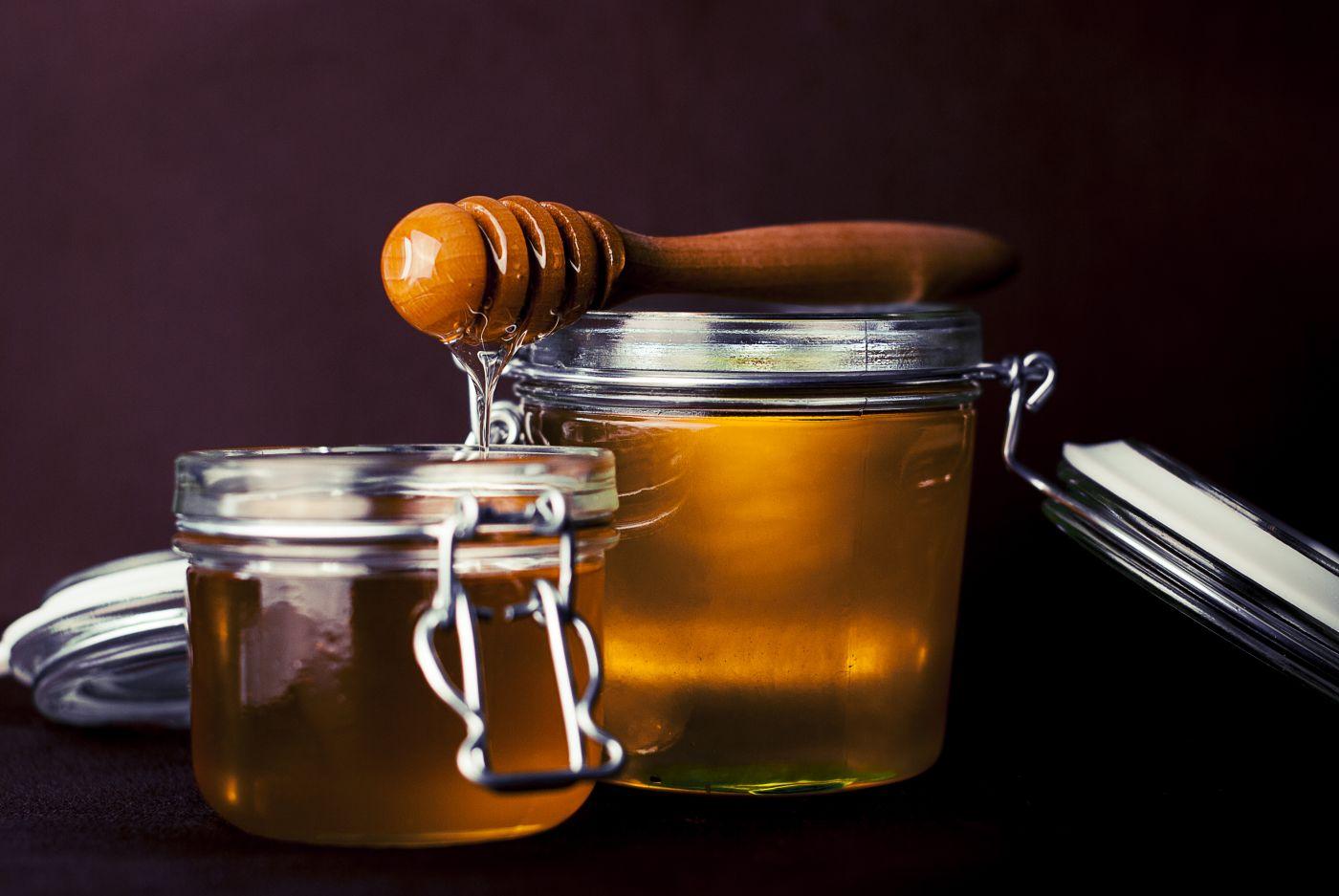 spoon honey jar