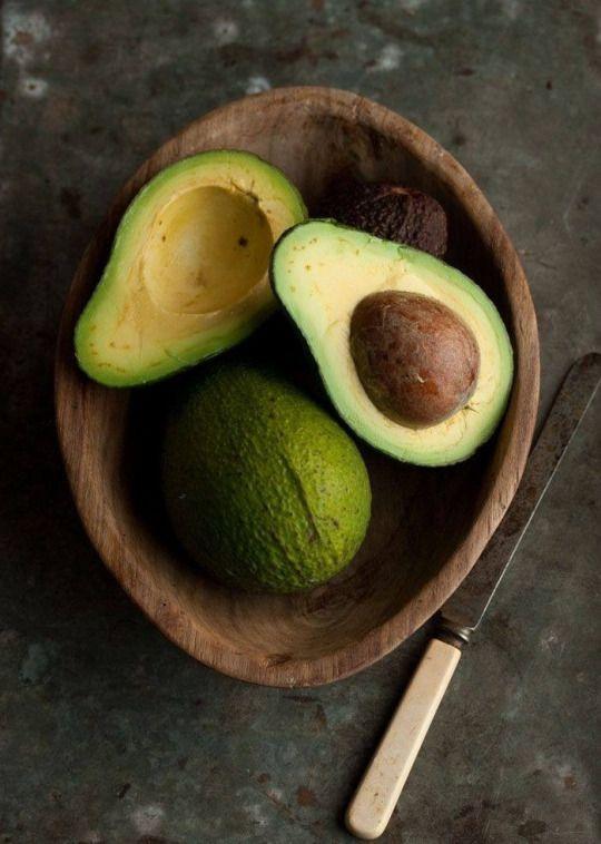 5 beneficii ale fructului de Avocado • Rawyal.ro