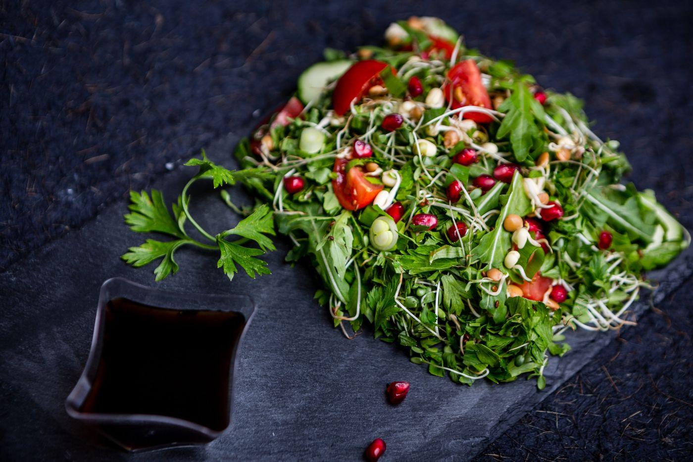 Salate fresh, ca de primăvară! • Rawyal.ro